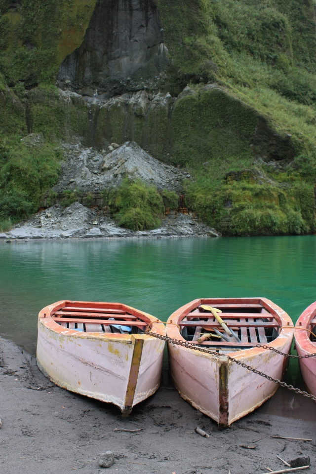 Pinatubo crater lake boats